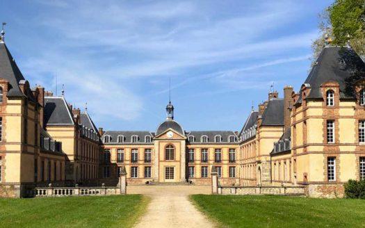 Programme Monuments Historiques à Jouars-Ponchartrain, façade du Château de Ponchartrain