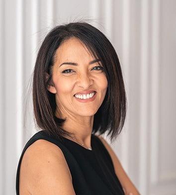 Portrait de Zohra Assidi, Directrice Associée du cabinet d'investissement Valeurs Actives